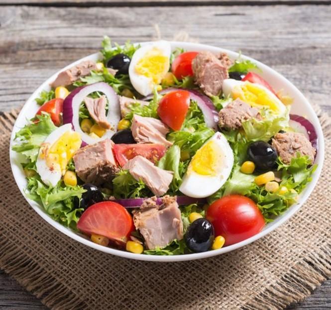 Cô gái phải nhập viện cấp cứu vì chỉ ăn salad liên tục trong nhiều ngày liền - ảnh 2