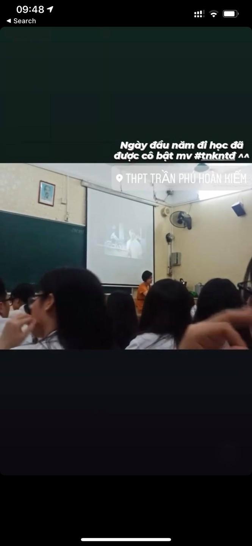 Ngày đi học đầu tiên năm học mới, teen Trần Phú (Hà Nội) được cô giáo cho xem... MV