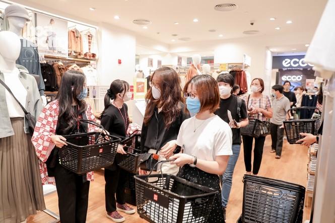 Các tín đồ mua sắm chú ý: UNIQLO chính thức mở cửa hàng thứ hai tại Hà Nội rộng 2000 m2 - ảnh 2
