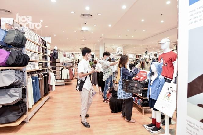 Các tín đồ mua sắm chú ý: UNIQLO chính thức mở cửa hàng thứ hai tại Hà Nội rộng 2000 m2 - ảnh 1
