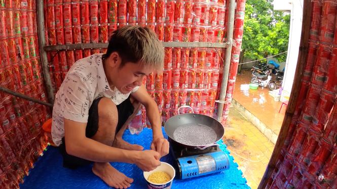 Sau khi bị phạt 7,5 triệu đồng, Hưng Vlog tiếp tục làm clip vô bổ khiến dân mạng ngán ngẩm - ảnh 2