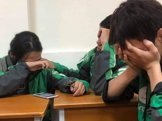 Sinh viên xa nhà khóc oà khi nghe điện thoại của bố mẹ ở quê: Bão đã cuốn đi tất cả... - ảnh 2