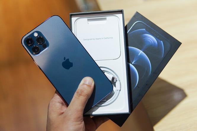 Thị trường iPhone 12, iPhone 12 Pro xách tay ảm đạm: Giá giảm sâu tận 6 triệu đồng - ảnh 1