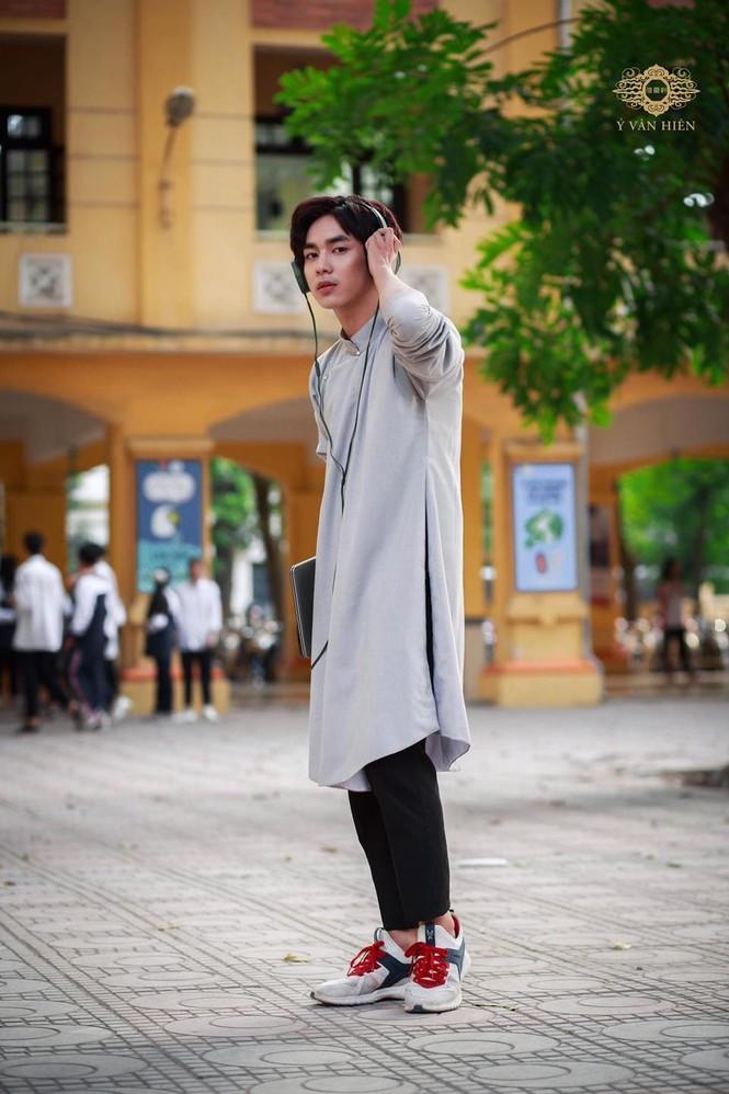 Ai bảo con trai mặc áo dài là không đẹp thì xem ngay bộ ảnh này, chắc chắn sẽ nghĩ khác! - ảnh 4
