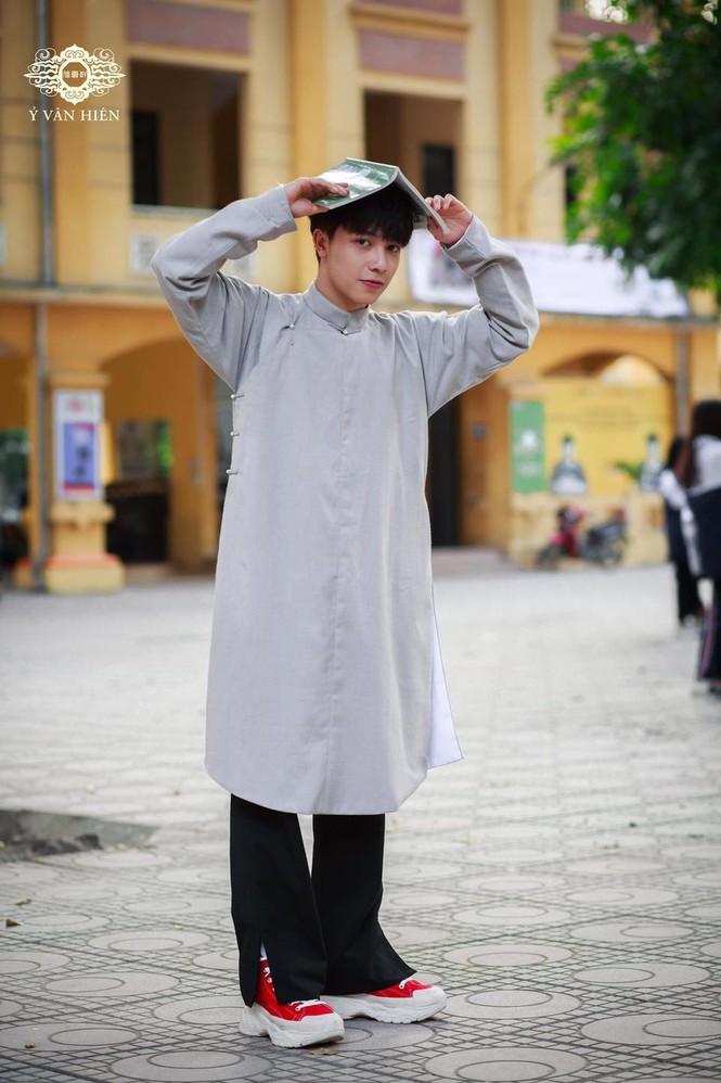 Ai bảo con trai mặc áo dài là không đẹp thì xem ngay bộ ảnh này, chắc chắn sẽ nghĩ khác! - ảnh 5