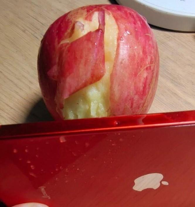 Viền iPhone 12 sắc đến mức có thể gọt táo, làm đứt tay người dùng, thực hư là thế nào? - ảnh 3