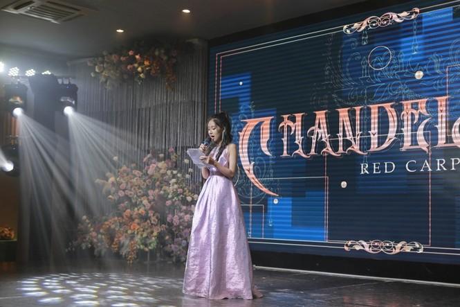 Lễ trao giải kết hợp đêm prom: Chandelier - khoảnh khắc toả sáng của teen Sư phạm - ảnh 1