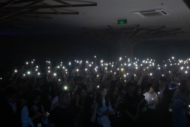 Lễ trao giải kết hợp đêm prom: Chandelier - khoảnh khắc toả sáng của teen Sư phạm - ảnh 6