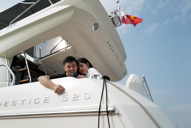 Diễn viên Huỳnh Anh khoe ảnh bên bạn gái mới nhưng dân mạng lại chú ý vào chi tiết này - ảnh 4