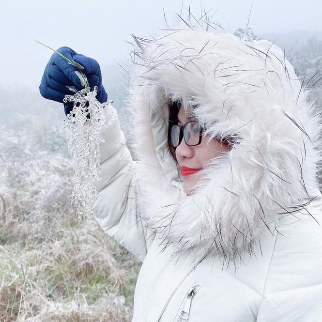 Giới trẻ đua nhau check-in tuyết rơi lãng mạn ở Sa Pa: Đừng quên lưu ý quan trọng này! - ảnh 2