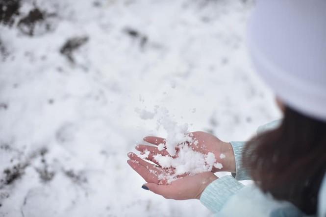 Giới trẻ đua nhau check-in tuyết rơi lãng mạn ở Sa Pa: Đừng quên lưu ý quan trọng này! - ảnh 7
