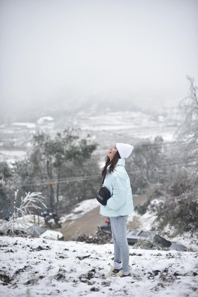 Giới trẻ đua nhau check-in tuyết rơi lãng mạn ở Sa Pa: Đừng quên lưu ý quan trọng này! - ảnh 8
