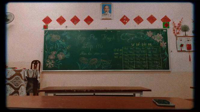 Các bạn học sinh trang trí lớp học đón Tết: Thoả sức sáng tạo và khoe độ khéo tay! - ảnh 14