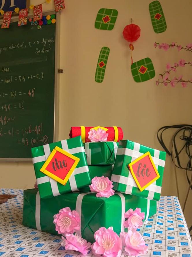 Teen Ninh Bình trang hoàng lớp học đón Tết: Lì xì, câu đối đỏ, bánh chưng xanh đều có đủ! - ảnh 3