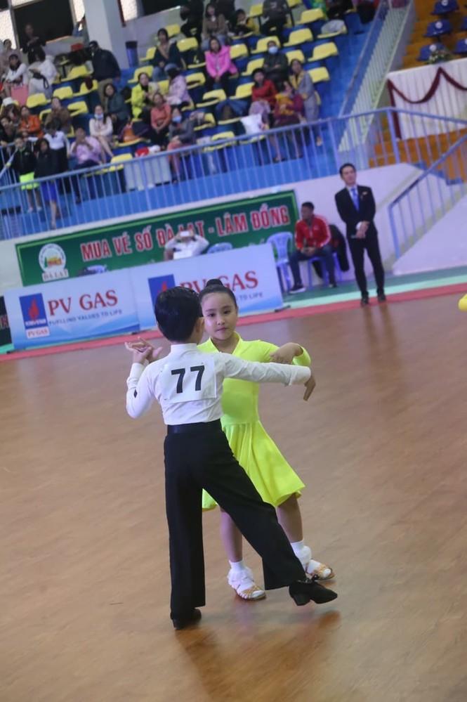 Kubi, con trai KhánhThi- Phan Hiển gây sốt ở giải vô địch khiêu vũ thể thao quốc gia - ảnh 2