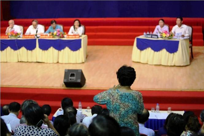 Toàn cảnh buổi tiếp xúc cử tri quận 2 'nóng' với vấn đề Thủ Thiêm - ảnh 5