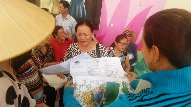 Toàn cảnh buổi tiếp xúc cử tri quận 2 'nóng' với vấn đề Thủ Thiêm - ảnh 7
