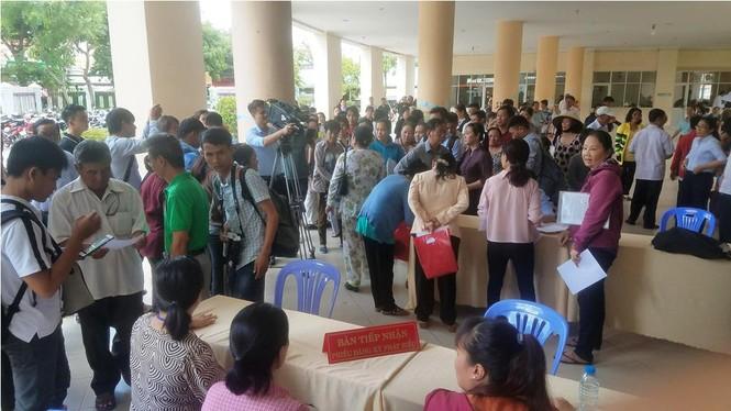 Toàn cảnh buổi tiếp xúc cử tri quận 2 'nóng' với vấn đề Thủ Thiêm - ảnh 1