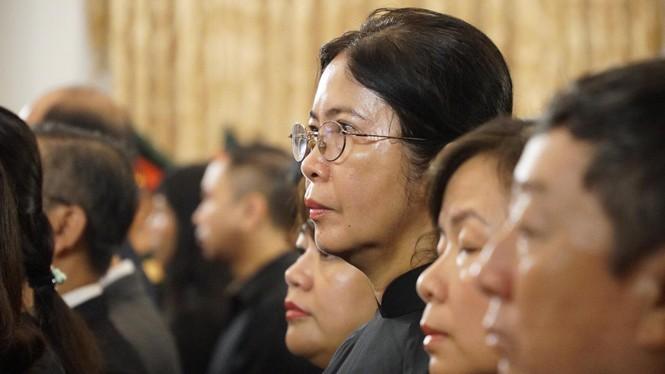 Người dân TPHCM xúc động tiễn biệt Chủ tịch nước Trần Đại Quang - ảnh 7