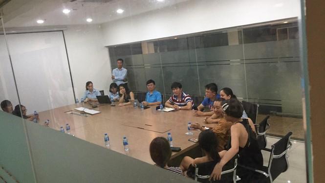 Cựu Viện phó VKS Đà Nẵng thừa nhận ôm hôn bé gái trong thang máy - ảnh 1