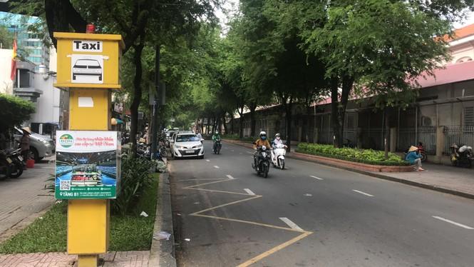 Cận cảnh những điểm đón taxi hoang phế ở Sài Gòn - ảnh 8