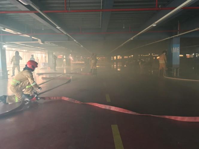 """Diễn tập chữa cháy điểm """"nóng"""" ở sân bay Tân Sơn Nhất - ảnh 3"""