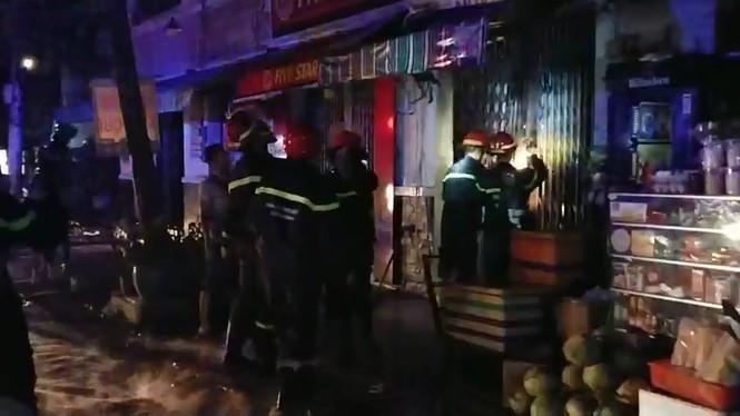Nhân chứng vụ cháy làm 3 người chết: Oái oăm 2 lớp cửa bít lối thoát duy nhất - ảnh 2
