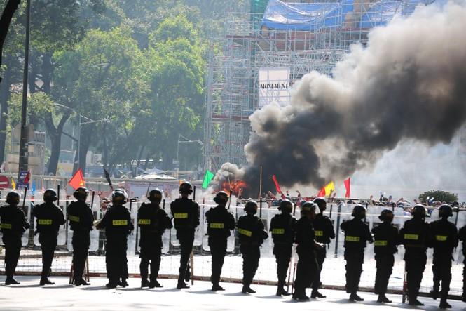 Nếu khủng bố tấn công TPHCM: Lực lượng chức năng xử lý thế nào? - ảnh 2