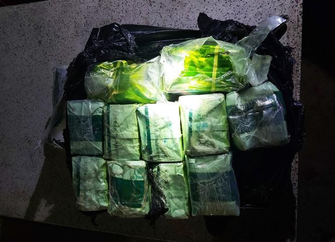 Chốt chặn 10km dọc sông, bắt 6 đối tượng, thu giữ ma túy 'khủng' - ảnh 3