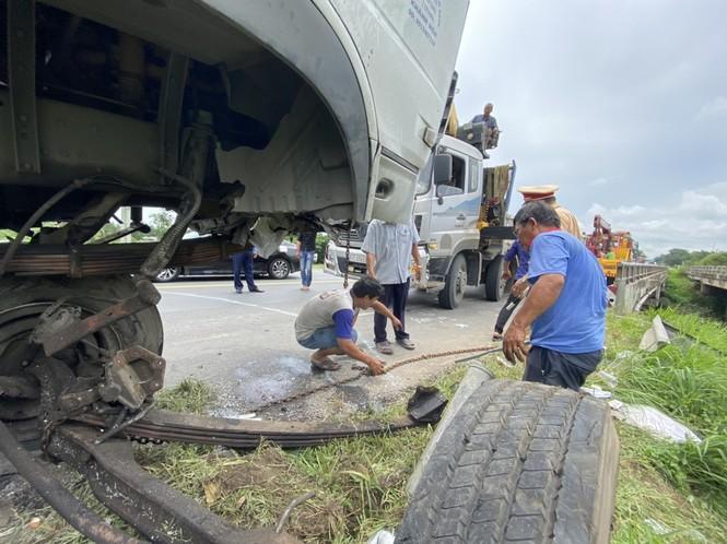 Nhân chứng vụ ô tô 'đấu đầu' 8 người chết tiếc nuối vì không đủ dụng cụ cứu nạn - ảnh 3