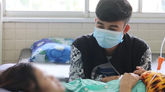 Bác sĩ hai bệnh viện phối hợp cứu sống mẹ con thai phụ bị ung thư cực kỳ hiếm gặp - ảnh 2