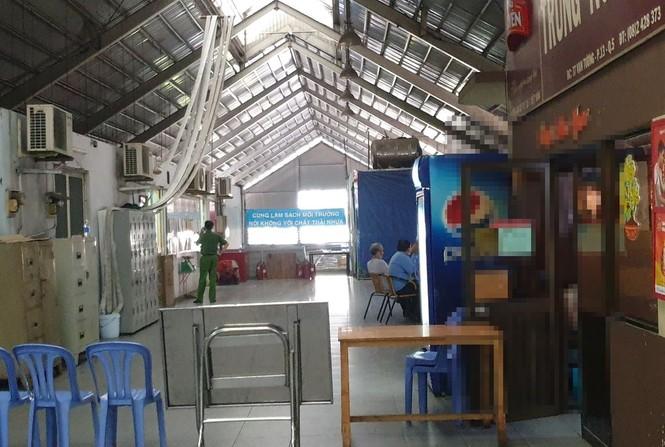 Trưởng ban quản lý chợ Kim Biên bị nam bảo vệ đâm chết - ảnh 1