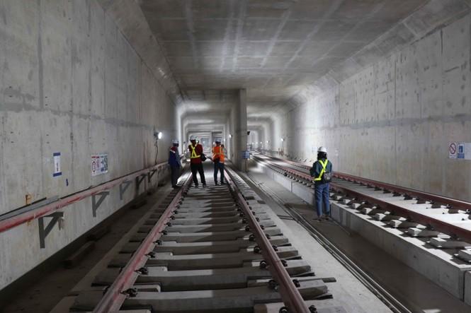 Công nhân chạy đua để hoàn thành nhà ga Ba Son - ảnh 3