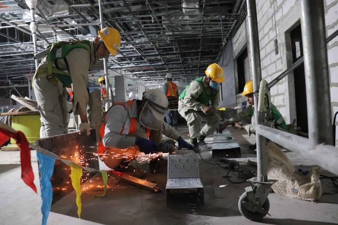 Công nhân chạy đua để hoàn thành nhà ga Ba Son - ảnh 1