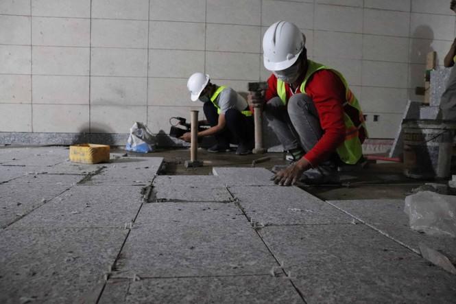 Công nhân chạy đua để hoàn thành nhà ga Ba Son - ảnh 4