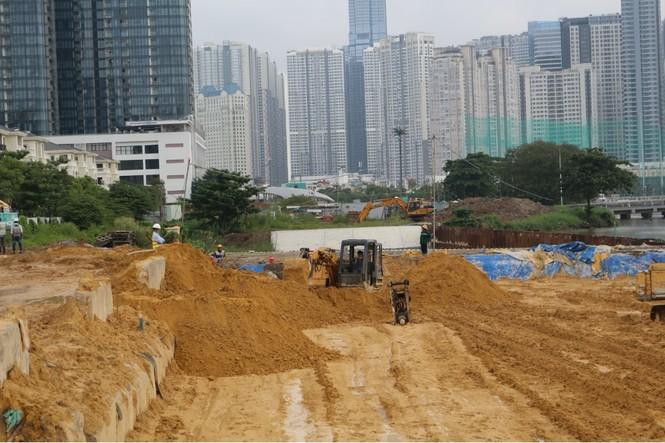 Công nhân chạy đua để hoàn thành nhà ga Ba Son - ảnh 5