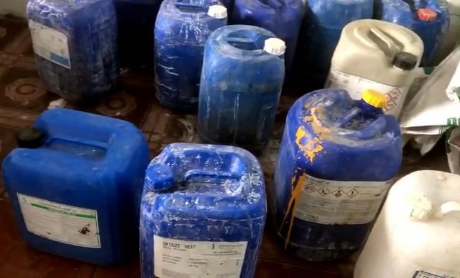 Đột kích cơ sở mỗi ngày tuồn hàng tấn ốc 'ngậm' hóa chất ra thị trường - ảnh 2