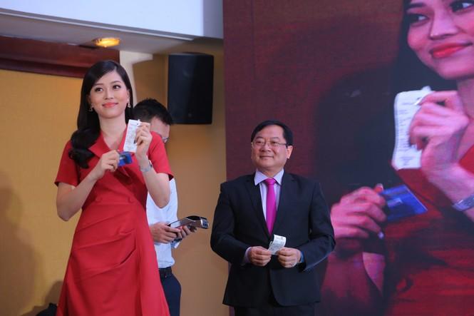 Ngày Thẻ Việt Nam: 10.000 thẻ chip đến tay các bạn trẻ - ảnh 3