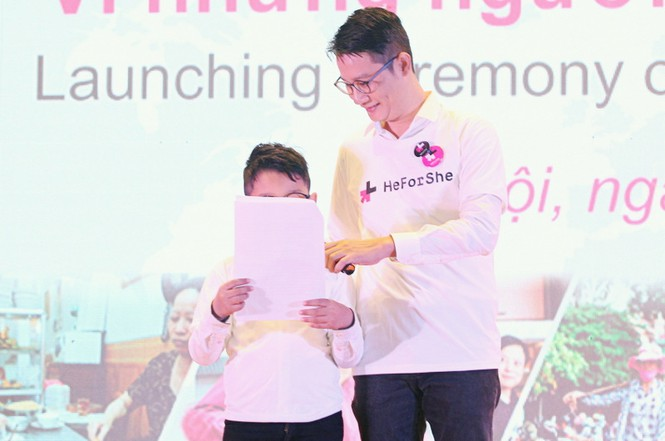 Cha con Hoàng Bách và loạt sao Việt kêu gọi bình đẳng giới - ảnh 2