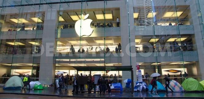 Dân Úc dầm mưa rét xếp hàng mua iPhone 6S - ảnh 1