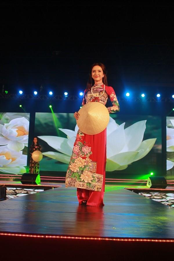 Nữ sinh báo chí đoạt quán quân cuộc thi Người đẹp Du lịch Huế - ảnh 2