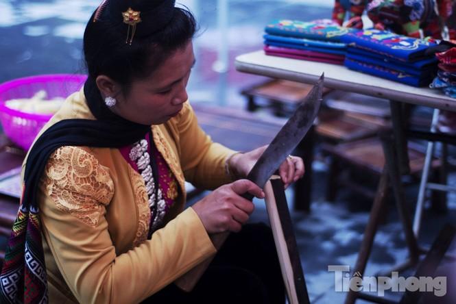 Người Hà Nội đội mưa rét đi chợ ở… bảo tàng - ảnh 19