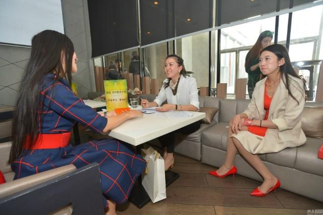 Hơn 2.000 phụ nữ tranh nhau cơ hội hẹn hò tỉ phú Dubai - ảnh 4