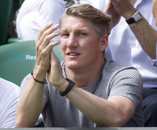 Thủ quân tuyển Đức lập kỉ lục nhờ... mỹ nữ quần vợt? - ảnh 3