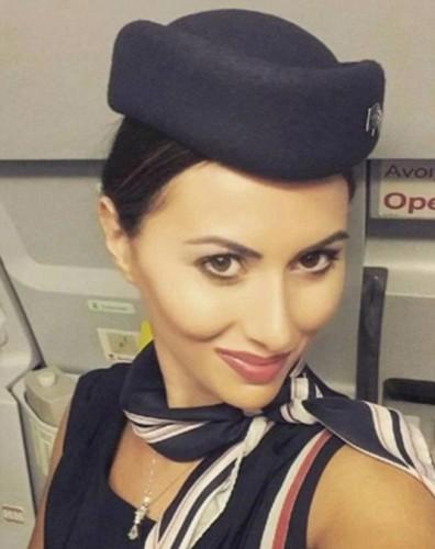 Tiếp viên của hãng hàng không nào gợi cảm nhất thế giới? - ảnh 12