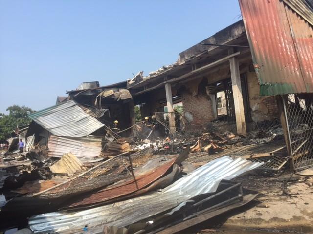 Hàng trăm tỷ hóa tro than trong vụ cháy chợ ở Hà Tĩnh - ảnh 1
