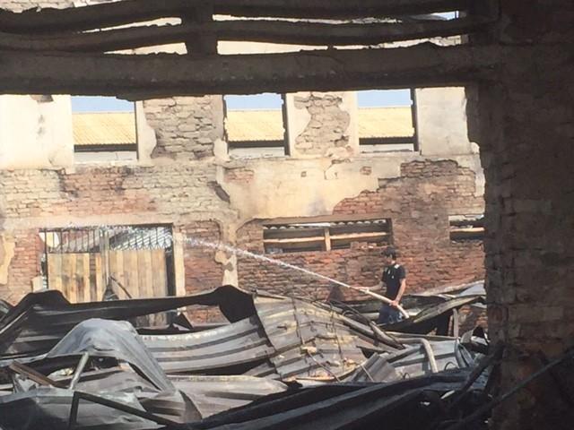 Hàng trăm tỷ hóa tro than trong vụ cháy chợ ở Hà Tĩnh - ảnh 4