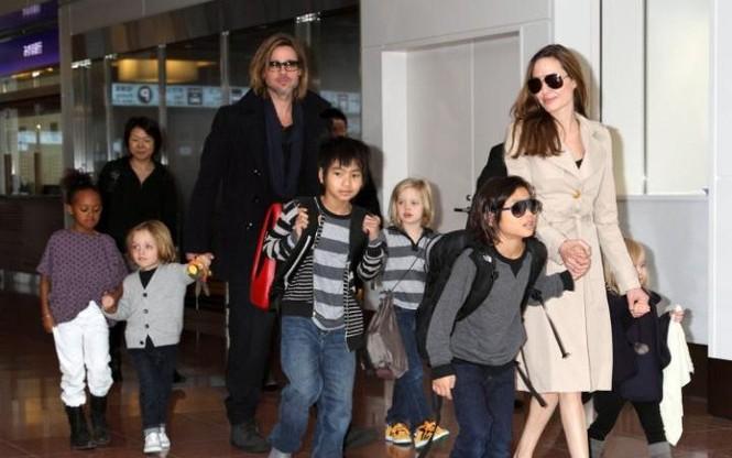 Angelina Jolie đệ đơn ly hôn Brad Pitt, đòi quyền nuôi con - ảnh 1