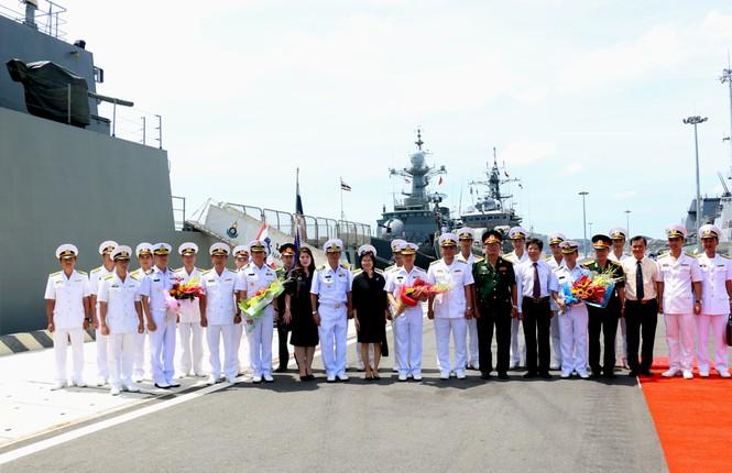 Lần đầu tiên tàu Hải quân Thái Lan ghé Cam Ranh - ảnh 3