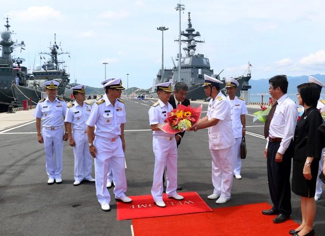 Lần đầu tiên tàu Hải quân Thái Lan ghé Cam Ranh - ảnh 2